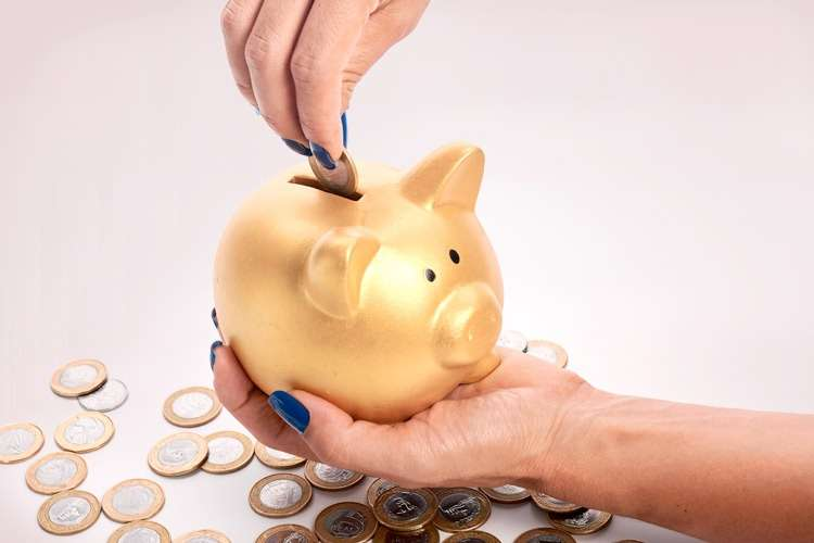 Facetas de Porcelana Preço   Dá pra saber o valor que custa  - A REDE  ODONTO BRASIL 41 3071-7001   Implantes, Tratamentos Estéticos, Próteses,  Ortodontia e ... e409bf543b